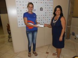A primeira professora sorteada e que ganhou um tablet Samsung Galaxy Tab 2 7.0 foi Debora Rodrigues de Almeida. Parabéns, professora.