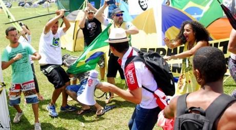 militaristas-entram-em-confronto-com-marcha-das-mulheres-negras-615x340